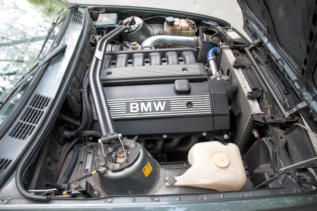 Tuning BMW E30 320i silnik M52B28 po swapie