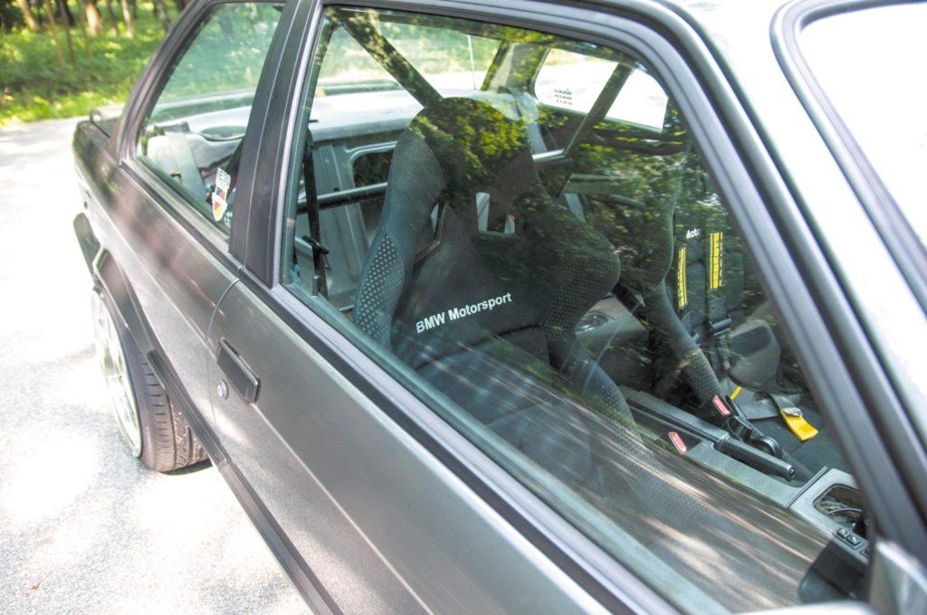 BMW E30 320i tuning