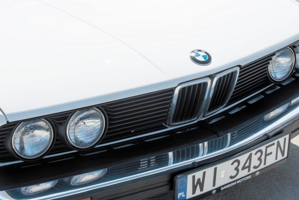 BMW E28 533i grill z logo