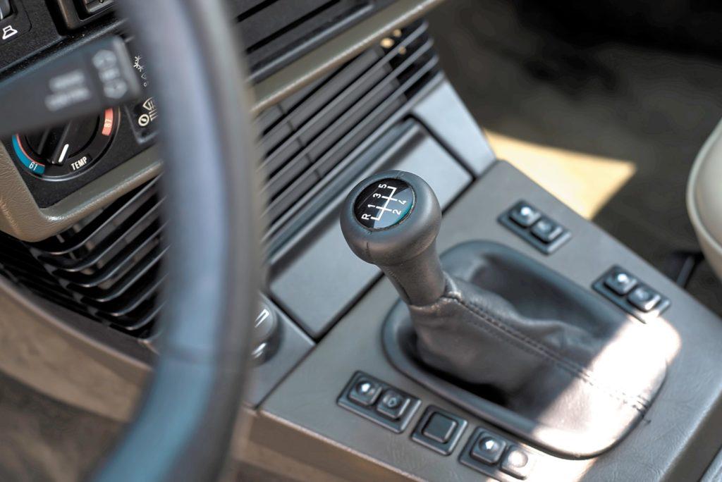BMW E28 533i drążek zmiany biegów