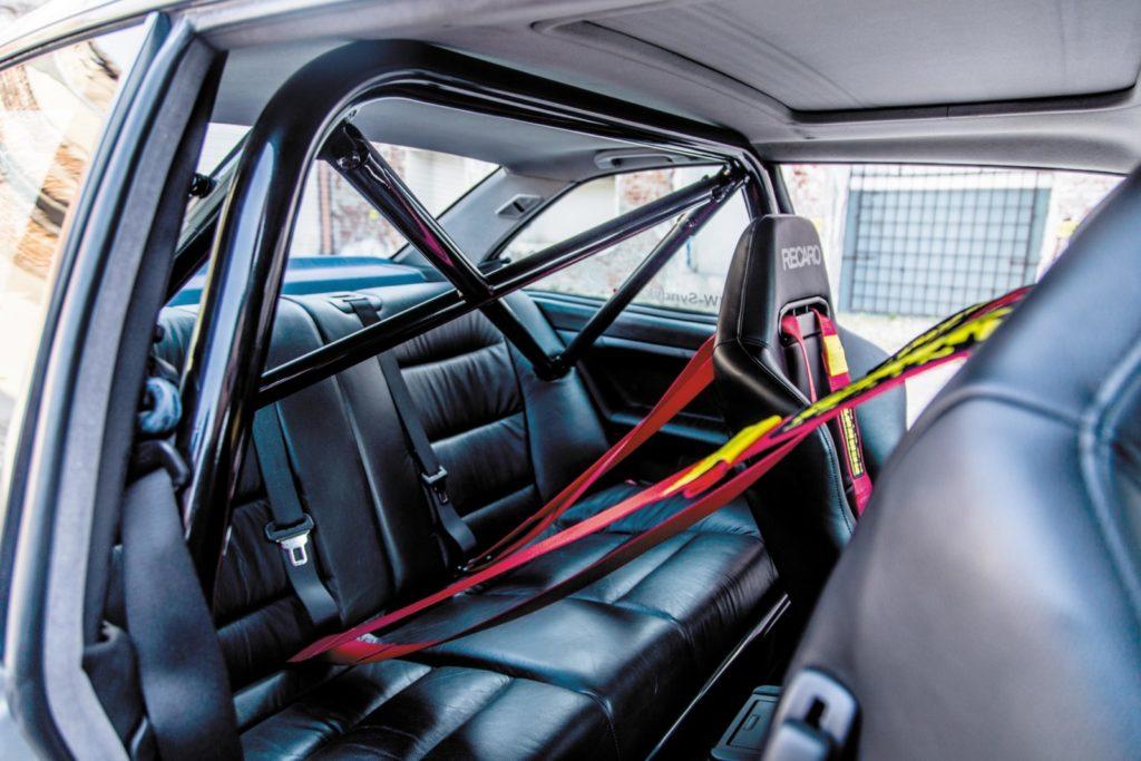 Tuning BMW E36 328i Coupé półklatka bezpieczeństwa