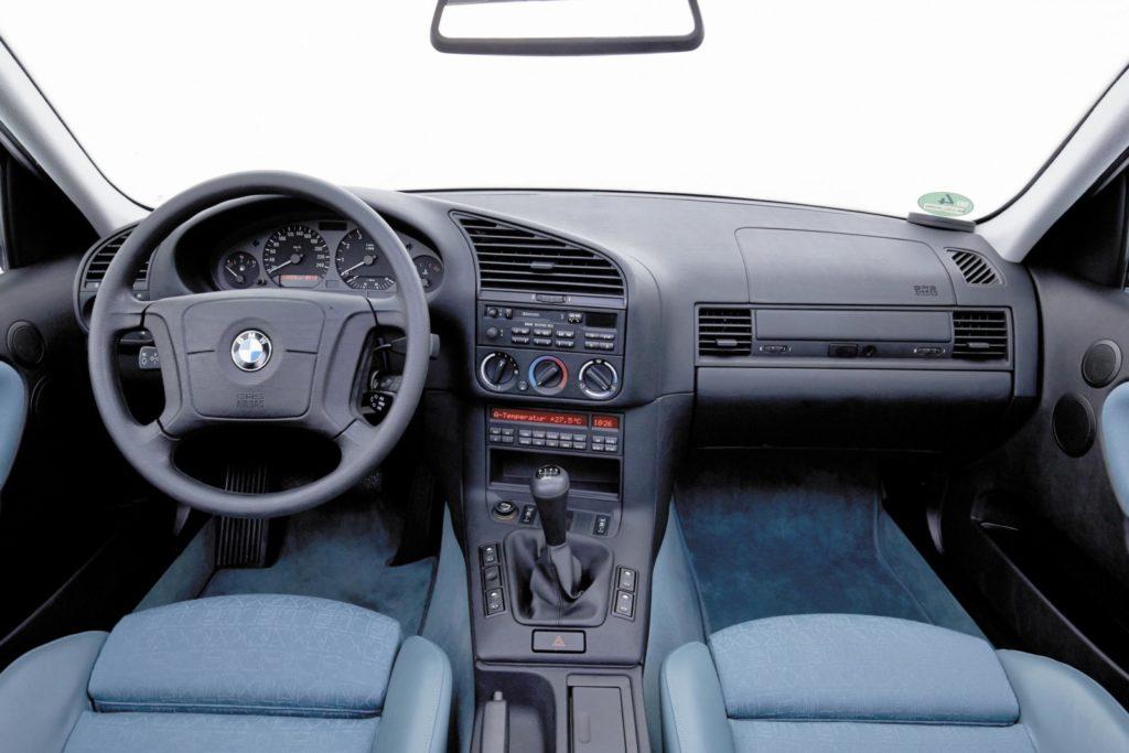 BMW E36 323i wnętrze