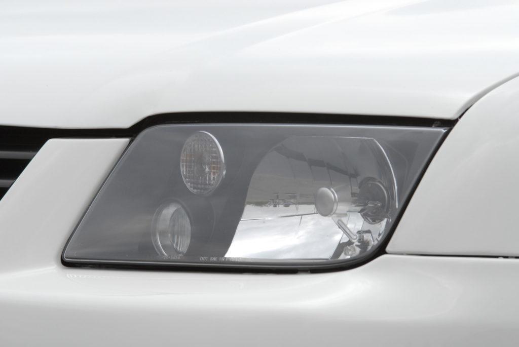 Bolf - połączenie Golfa i Bory reflektor przedni