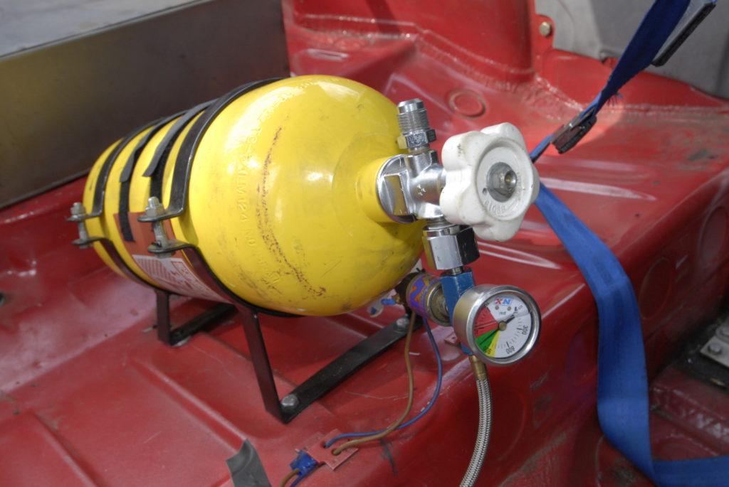 Tuning VW Polo 86C butla z nitro