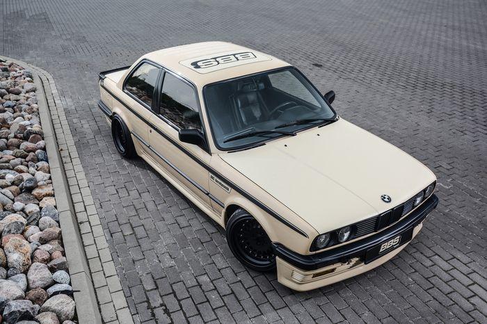 Tuning BMW E30 325i widok z góry