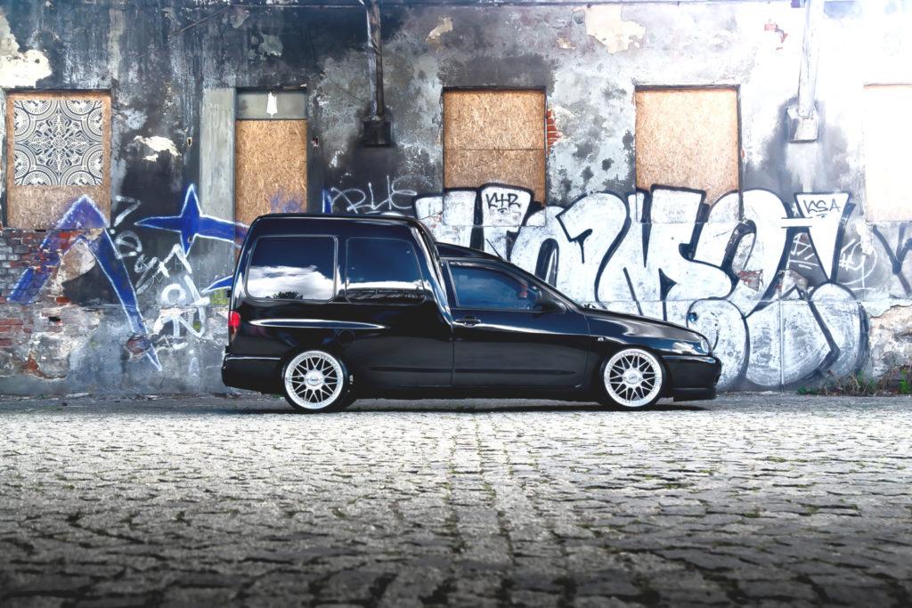 Tuning VW Caddy Mk1 widok z boku