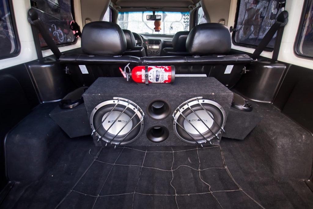 Tuning VW Caddy Mk1 głośnik tylny