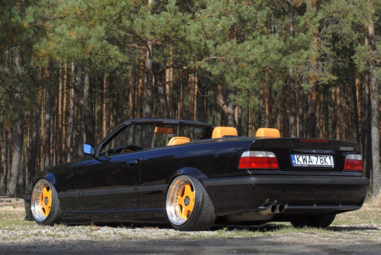 Tuning BMW E36 328iC widok z tyłu