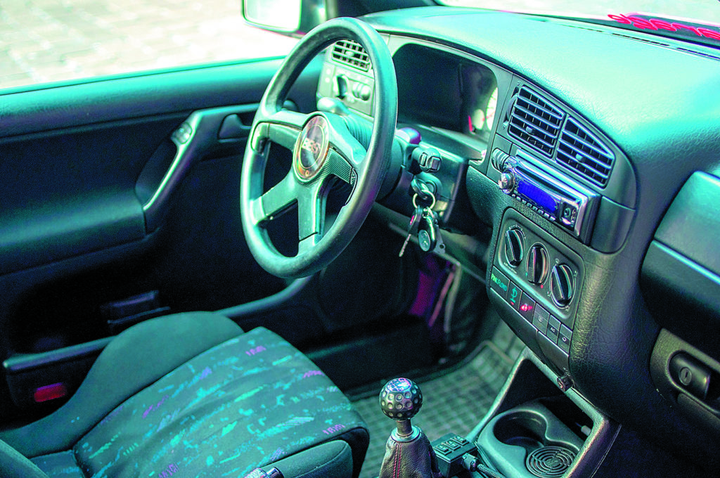 Tuning VW Golf 3 1.8 T kokpit