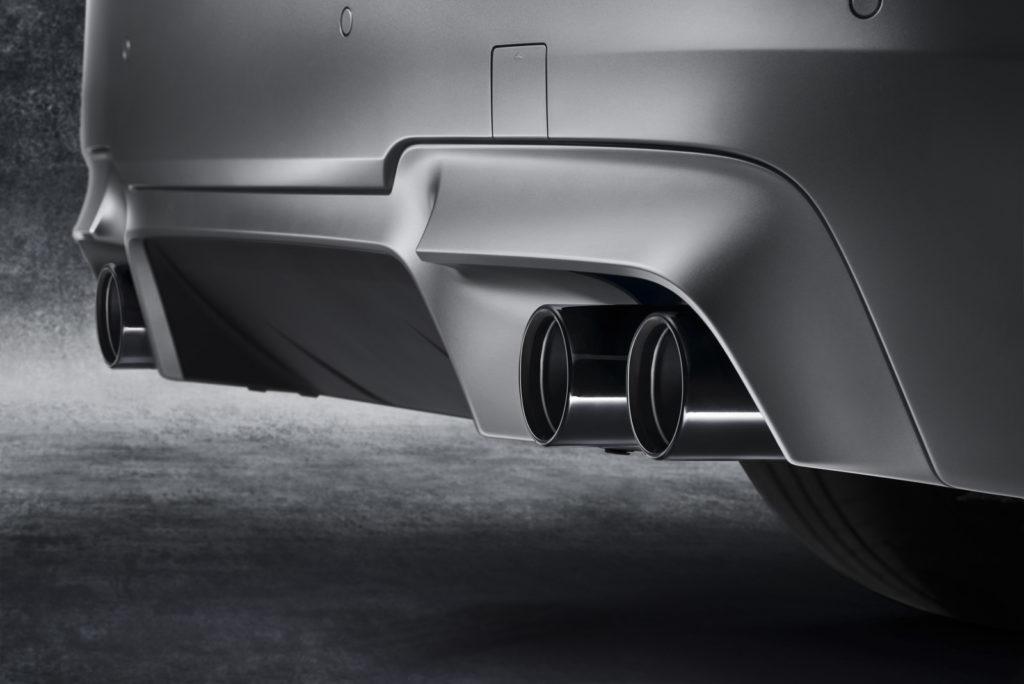 BMW M5 30 Jahre końcówka wydechu