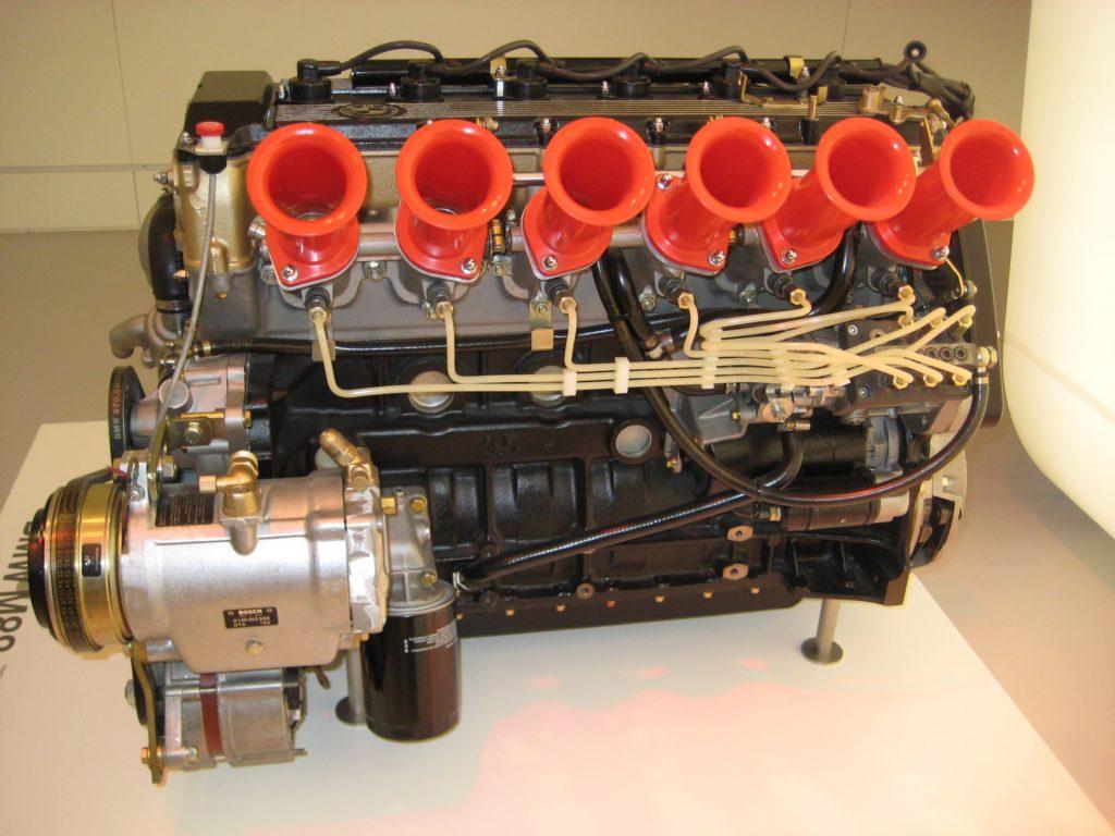 Silnik M88 z BMW M1