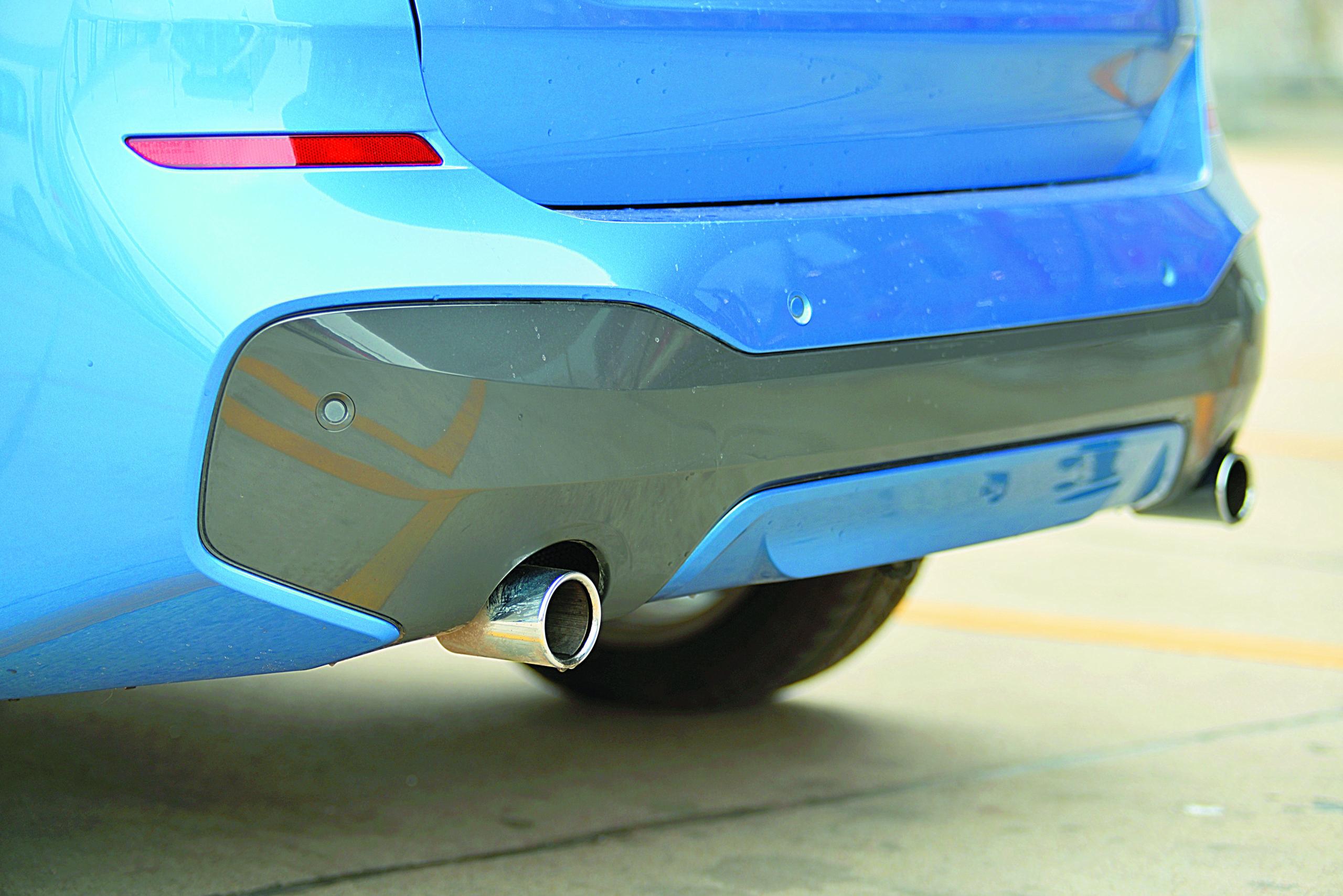 BMW-X1-xDrive-25d-wydech