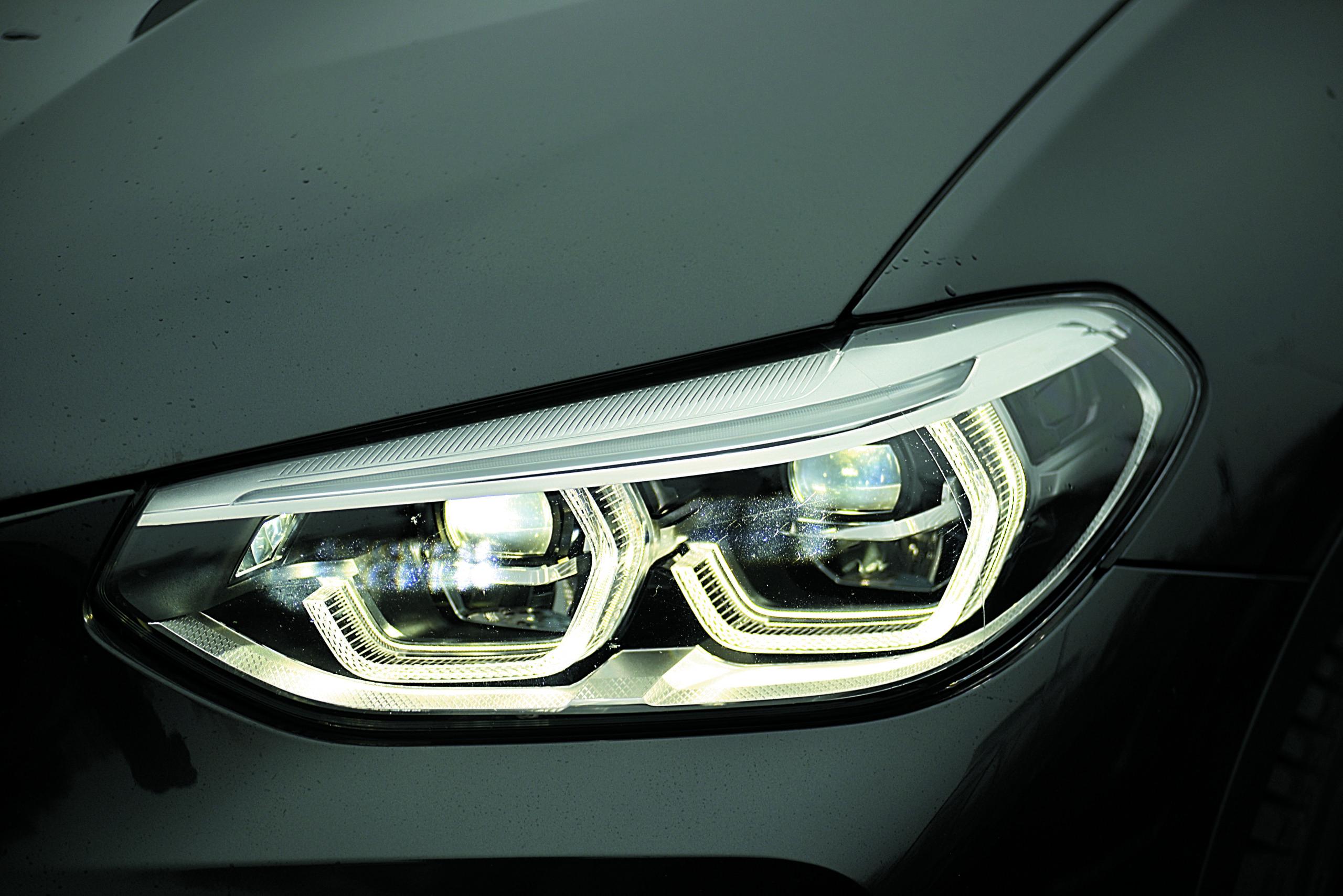 BMW-X3-30d-G01-reflektor przedni