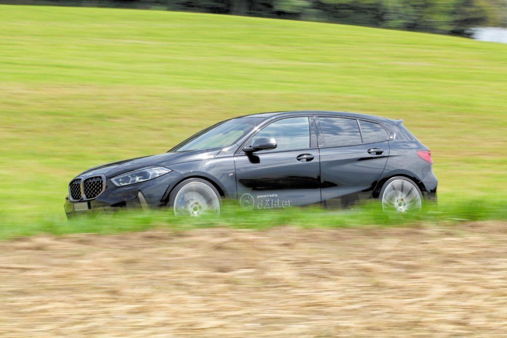 Tuning BMW M135 Drive by Dähler auto w czasie jazdy