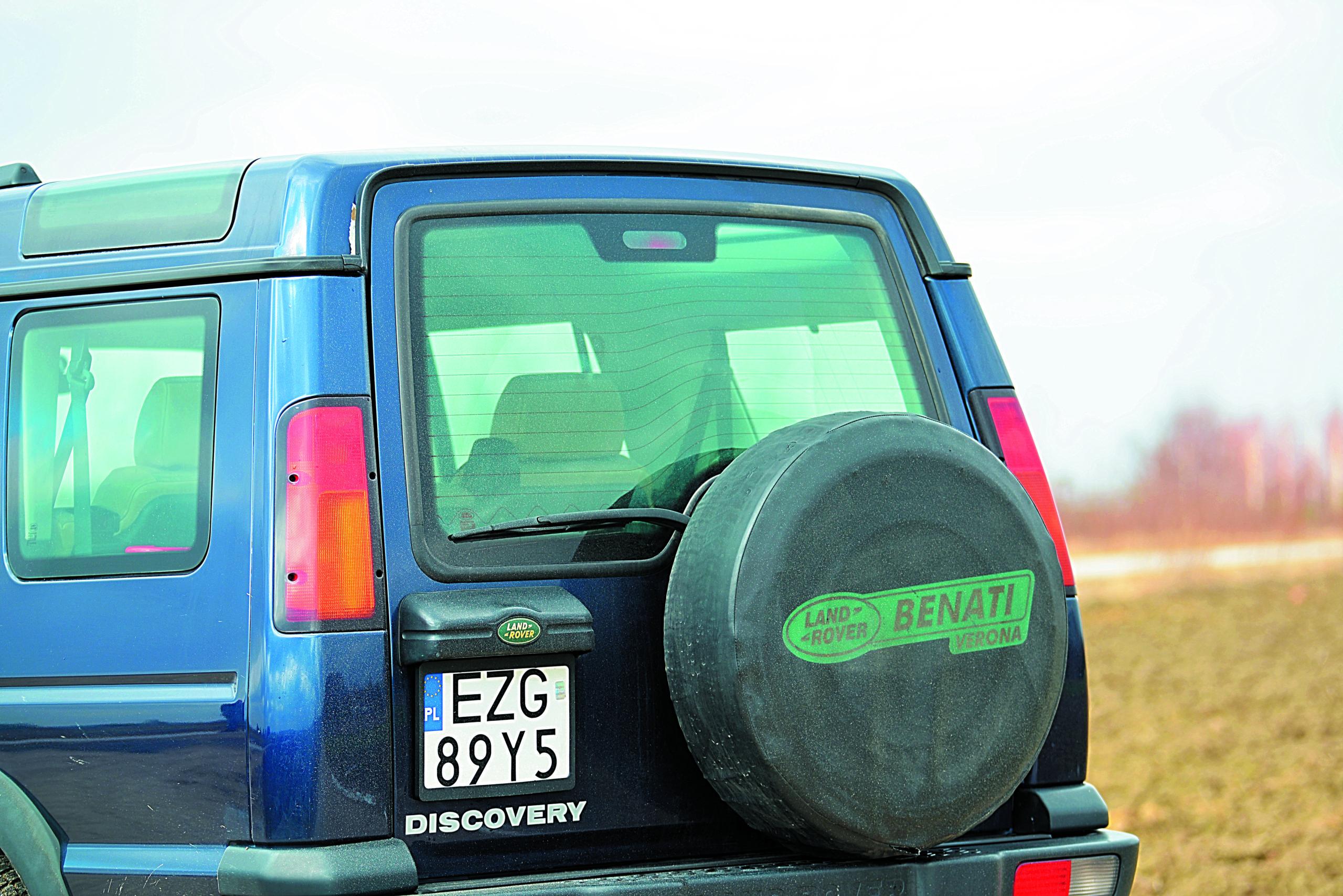 LAnd Rover Discovery 2-tył auta
