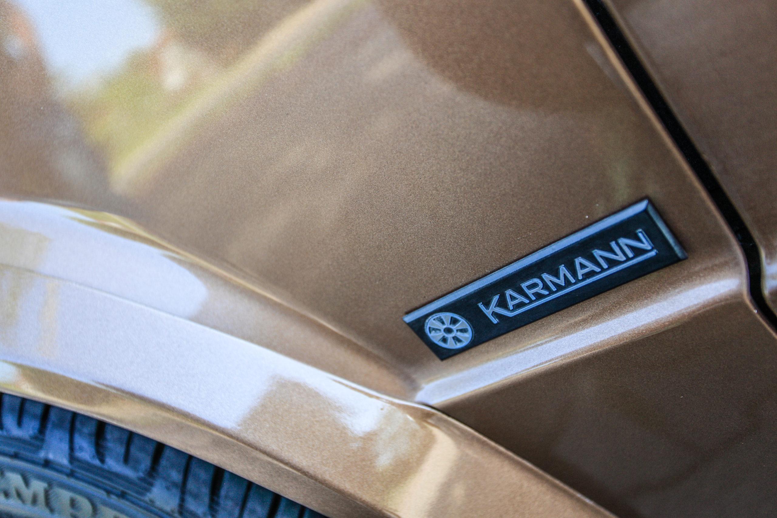 VW-Golf-Mk1-cabrio-GL-emblemat Karmann