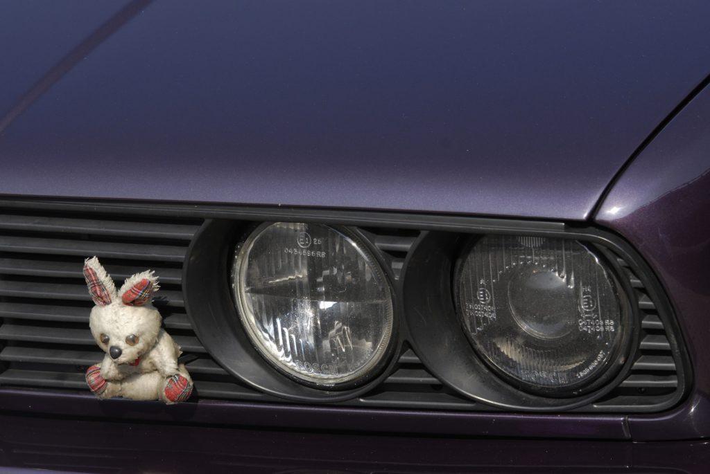 Tuning-BMW-E30-318i-Touring-reflektor przedni