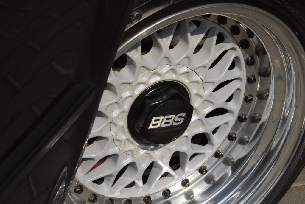 Tuning-BMW-E30-318i-Touring-kolo BBS