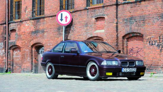 Tuning-BMW-E36-325i-widok z przodu