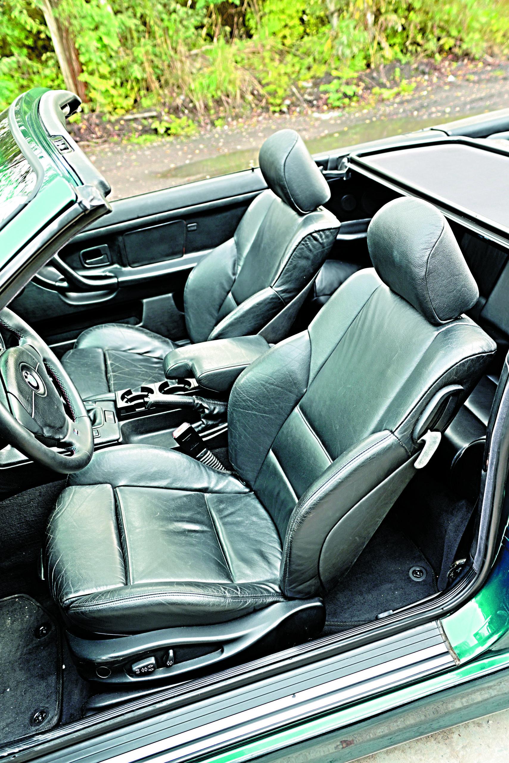 Tuning-BMW-E36-Cabrio-przednie fotele