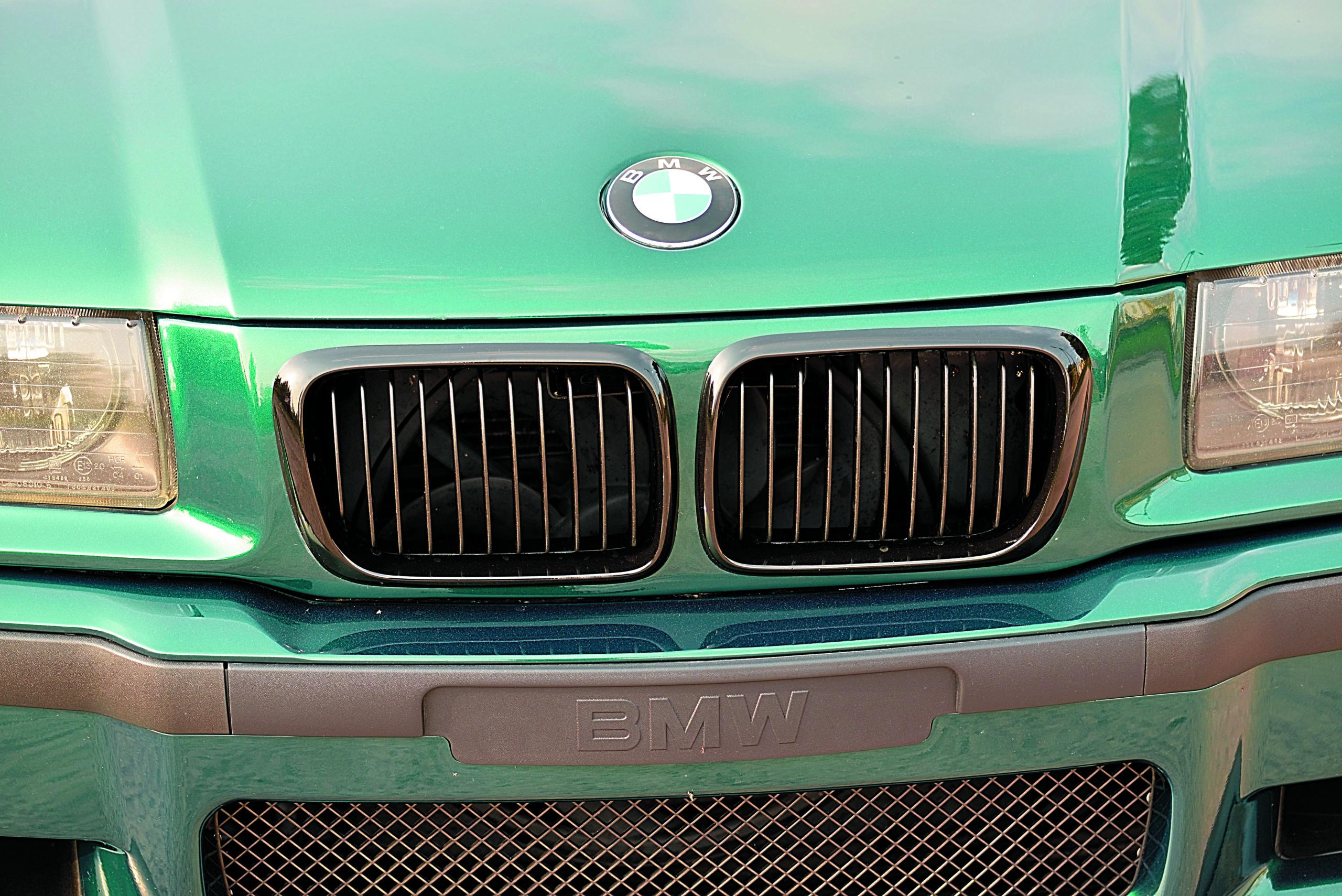 Tuning-BMW-E36-Cabrio-grill