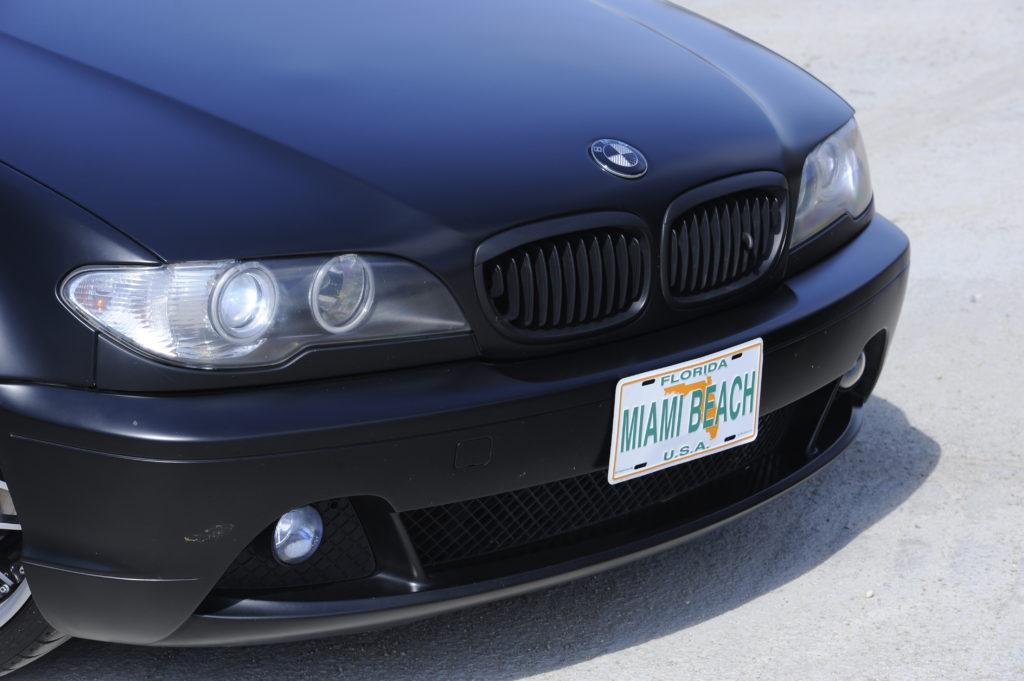 Tuning-BMW-E46-330i-front auta