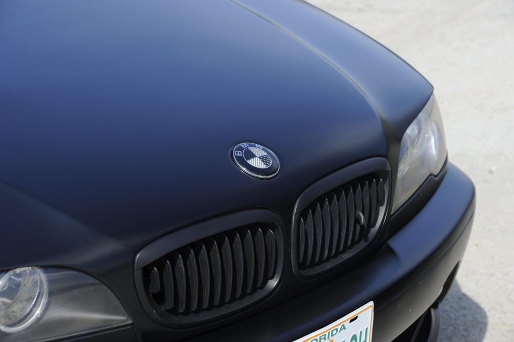 Tuning-BMW-E46-330i-grill