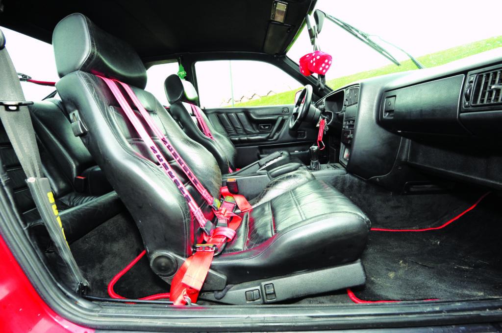 Tuning-Corrado-G60-przednie fotele