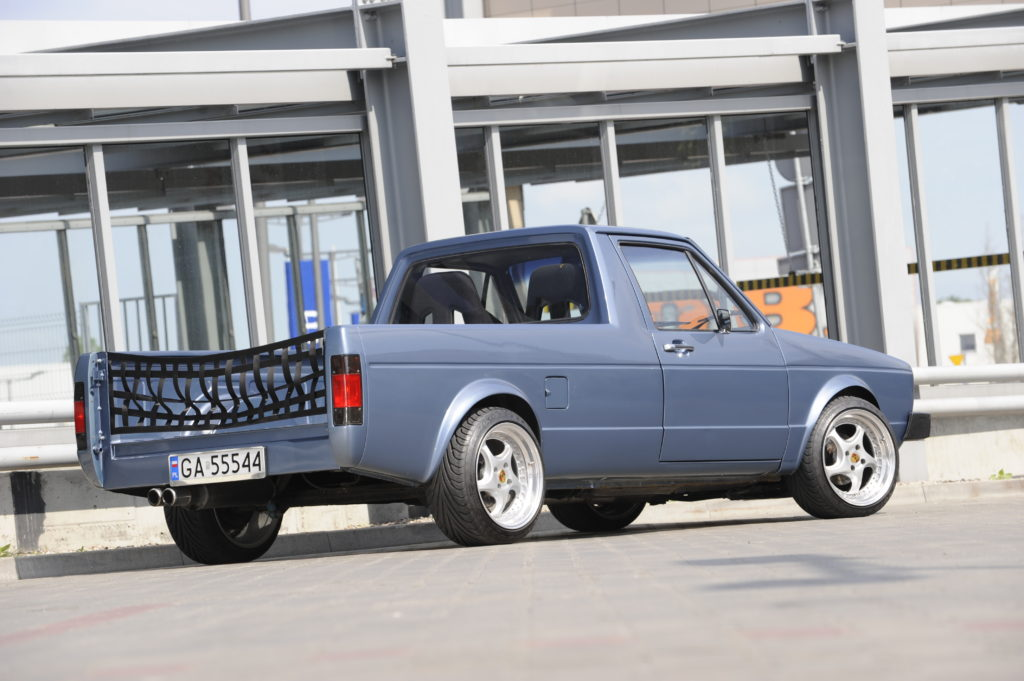 Tuning-VW-Caddy-1-R32-widok od tyłu