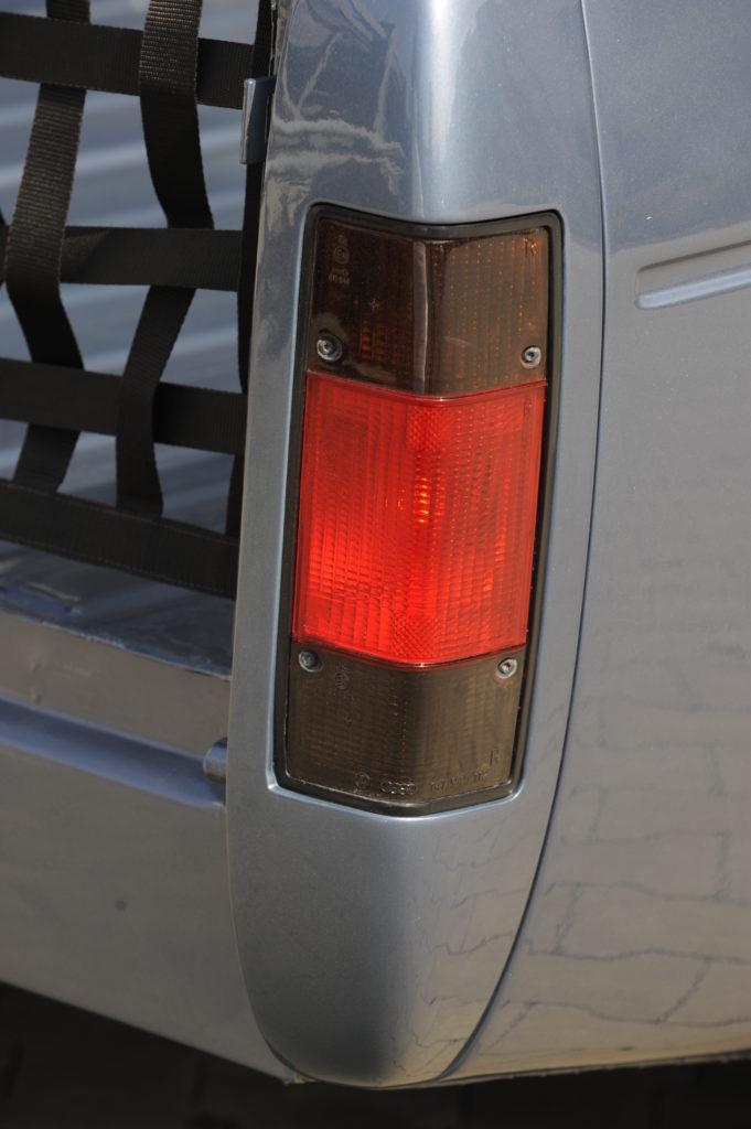 Tuning-VW-Caddy-1-R32-tylne swiatło
