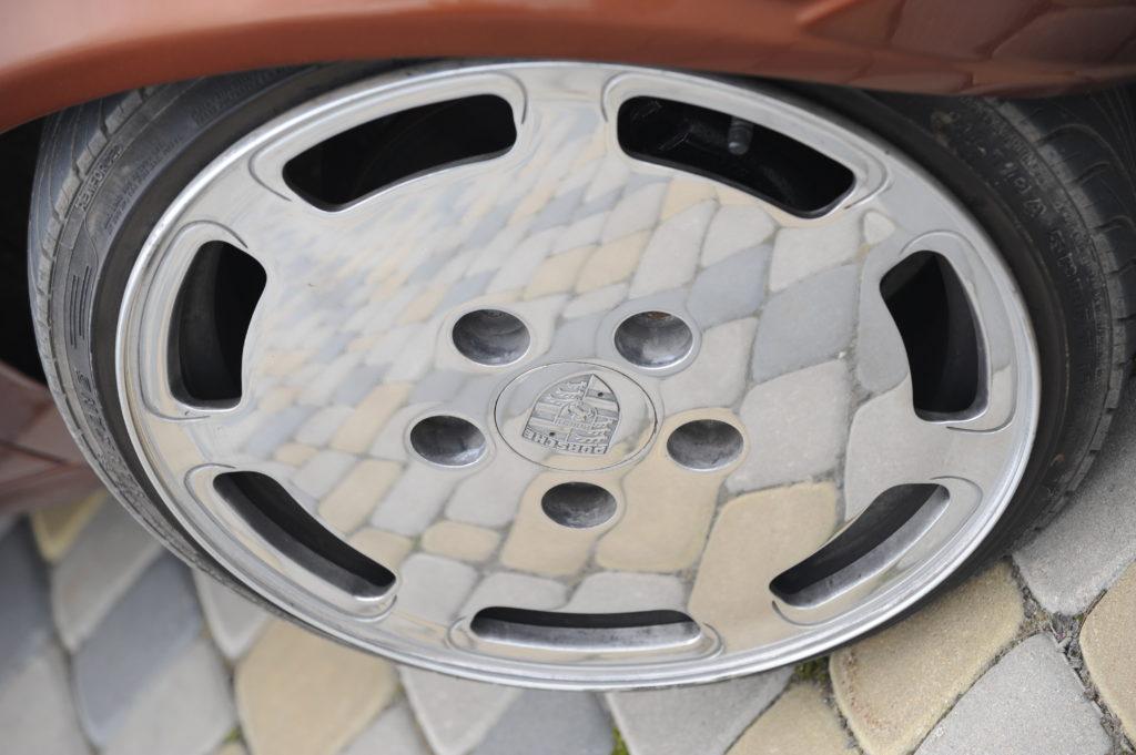 Tuning-VW-Caddy-Typ-14d-koło Porsche