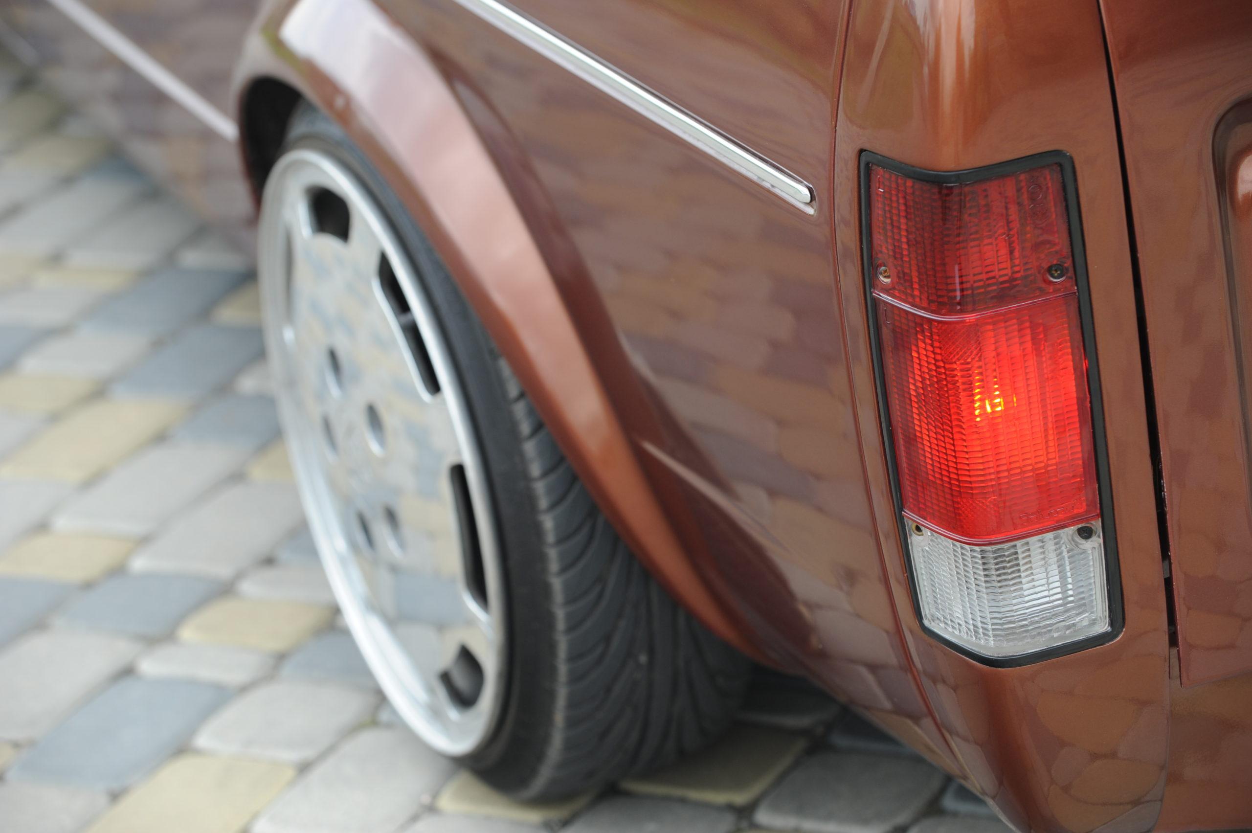 Tuning-VW-Caddy-Typ-14d-tylna lampa