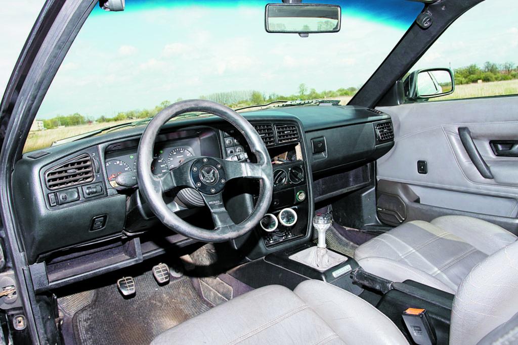 Tuning-VW-Corrado-2.0-8V-kokpit