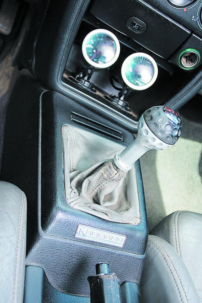Tuning-VW-Corrado-2.0-8V-dzwignia zmiany biegów