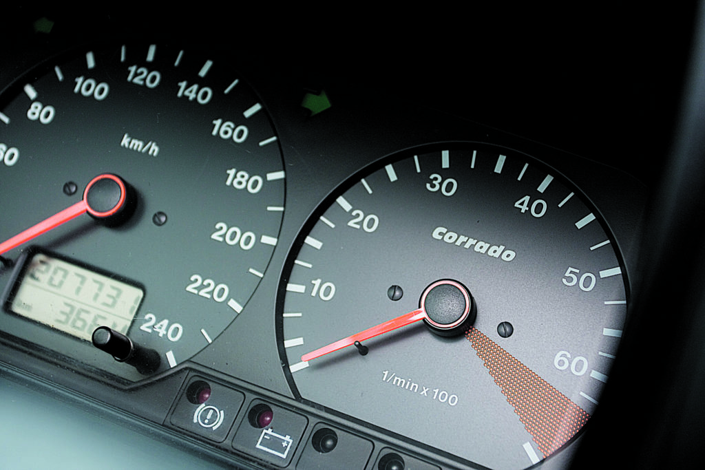 Tuning-VW-Corrado-2.0-8V-zegary