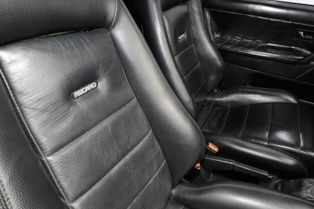Tuning-VW-Golf-2-1.8-fotele Recaro
