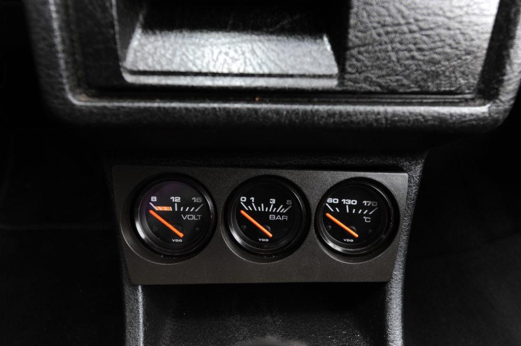 Tuning-VW-Golf-2-1.8-dodatkowe zegary