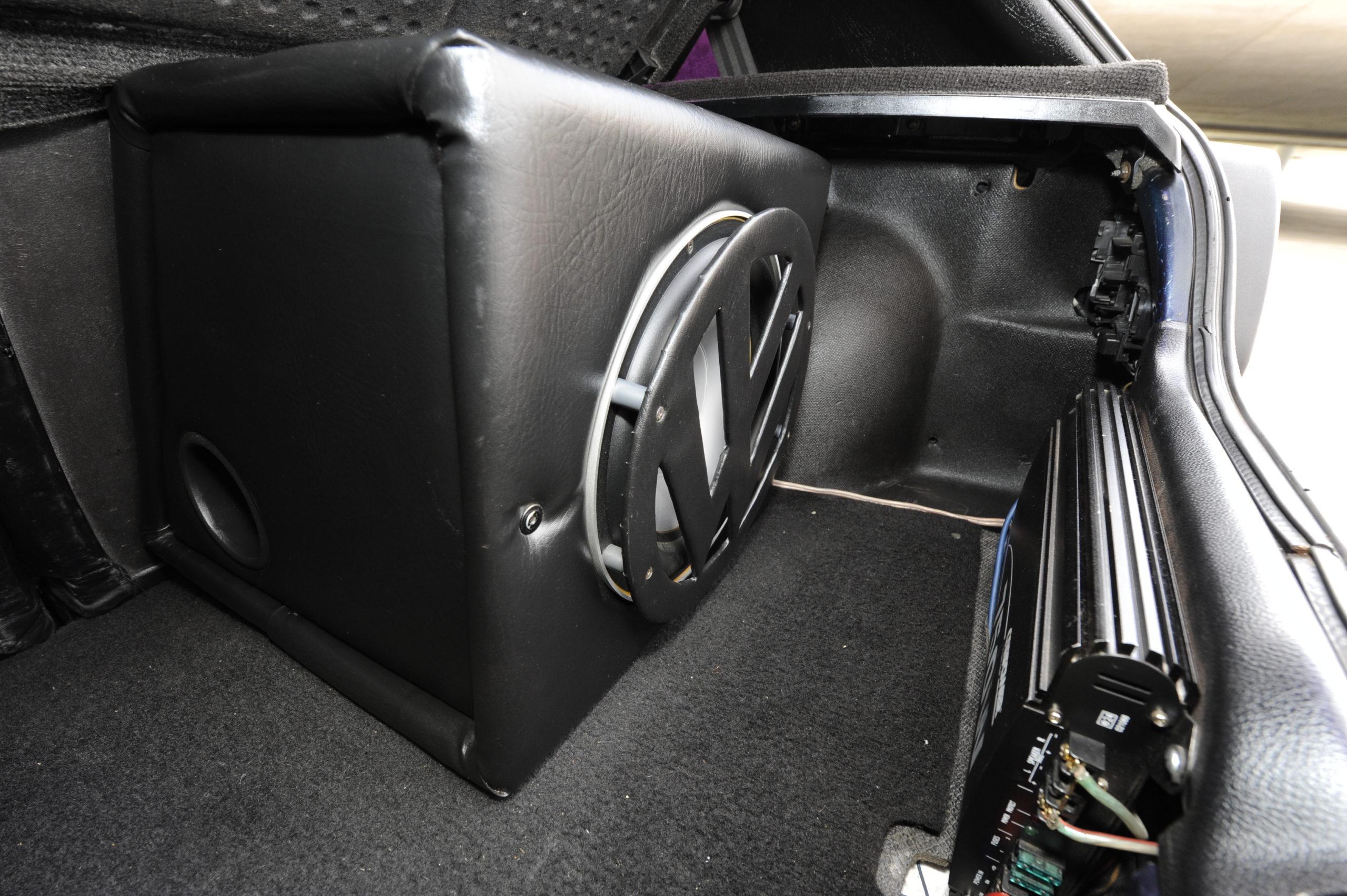 Tuning-VW-Golf-2-1.8-głośnik i wzmacniacz