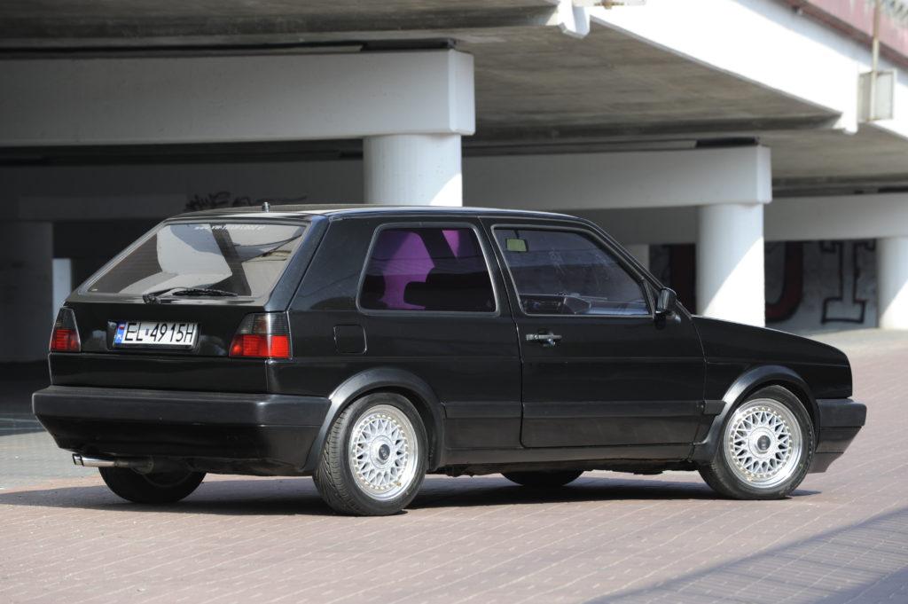 Tuning-VW-Golf-2-1.8-widok z boku