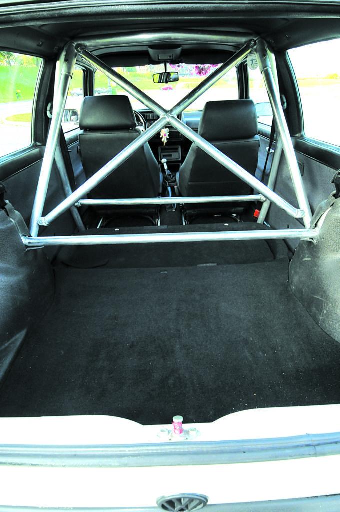 Tuning-VW-Golf-2-G60-pólklatka bezpieczeństwa