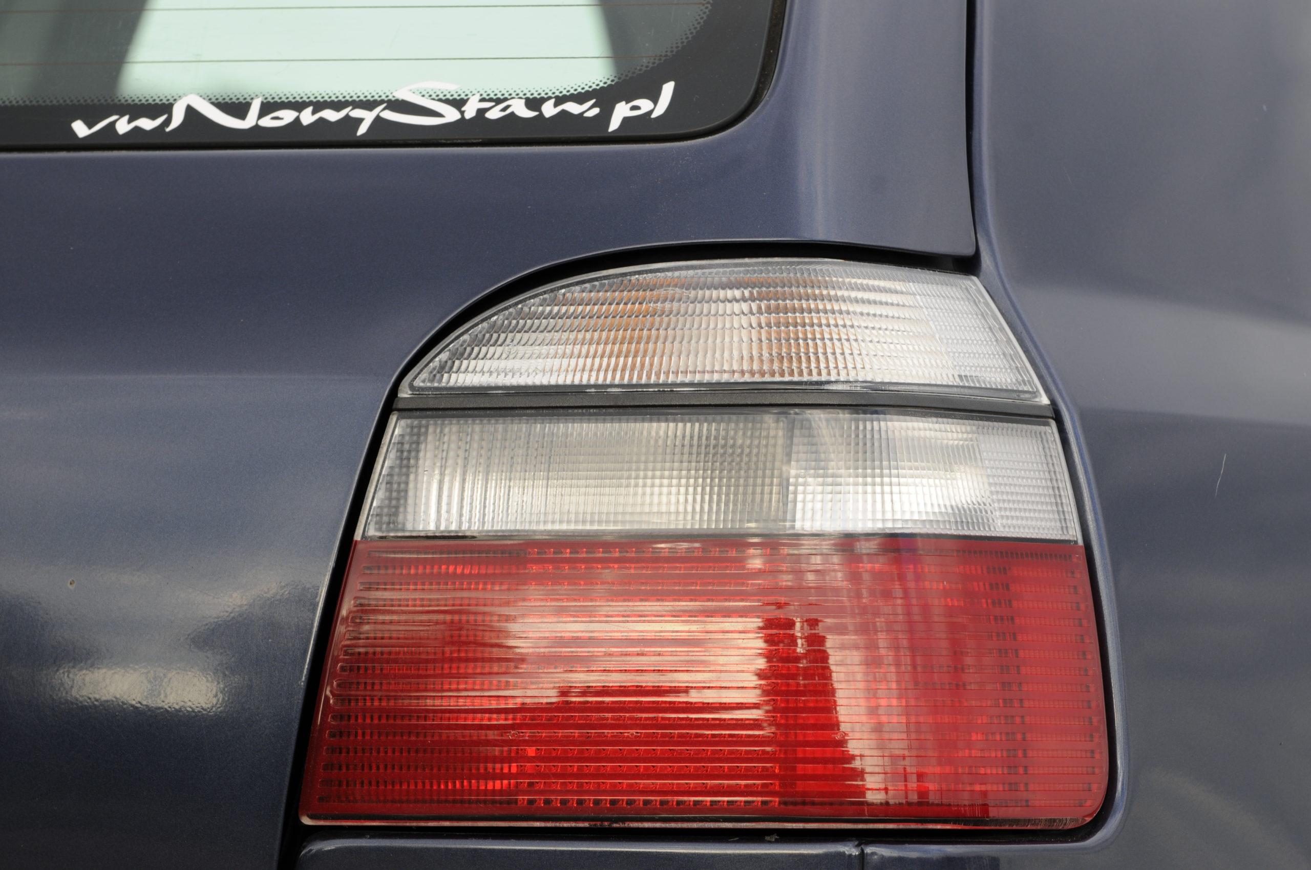 Tuning-VW-Golf-3-1.8-GL-tylna lampa