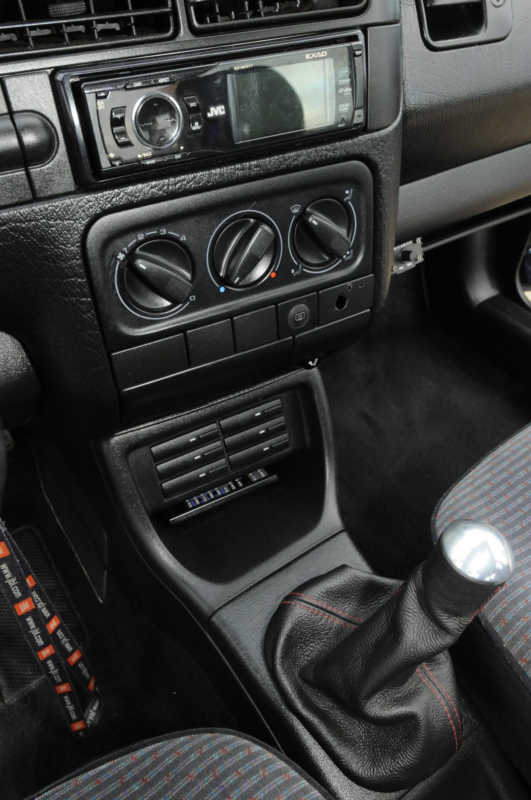 Tuning-VW-Golf-3-1.8-GL-tunel środkowy