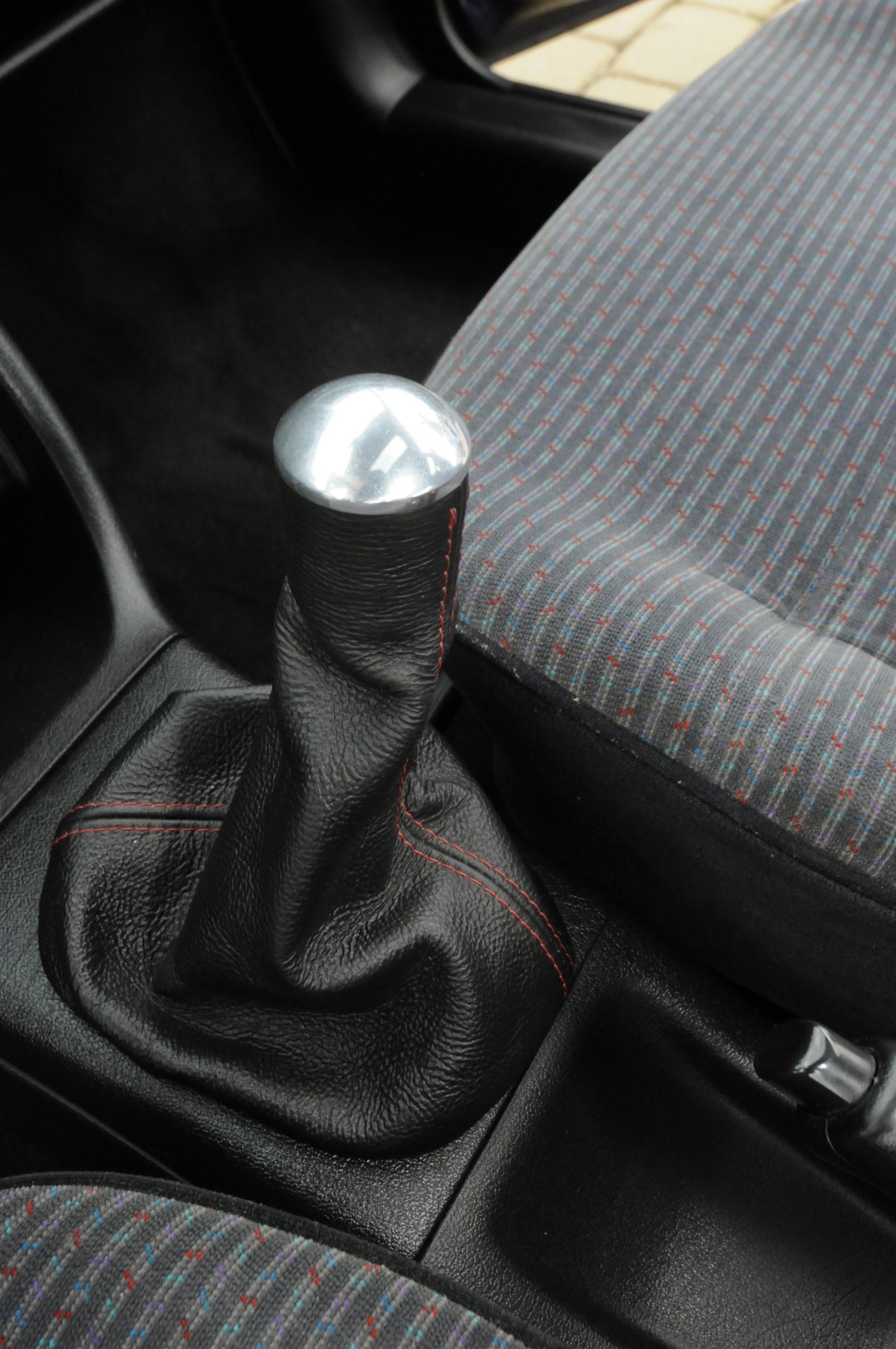 Tuning-VW-Golf-3-1.8-GL-drążek zmiany biegów
