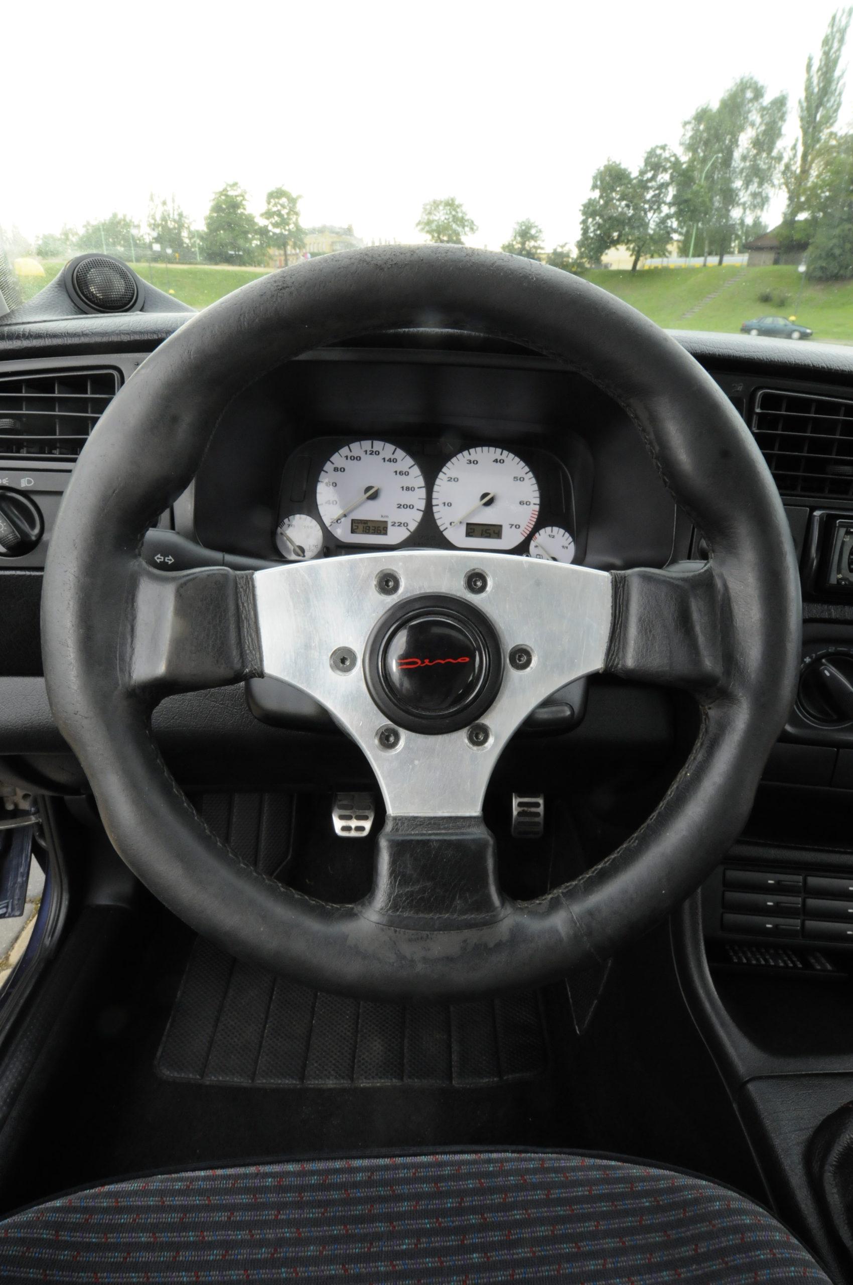 Tuning-VW-Golf-3-1.8-GL-sportowa kierownica Dino