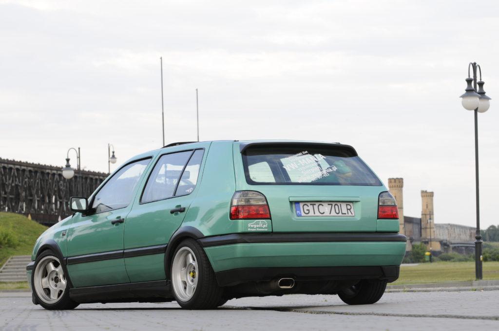 Tuning-VW-Golf-3-GL-tył auta
