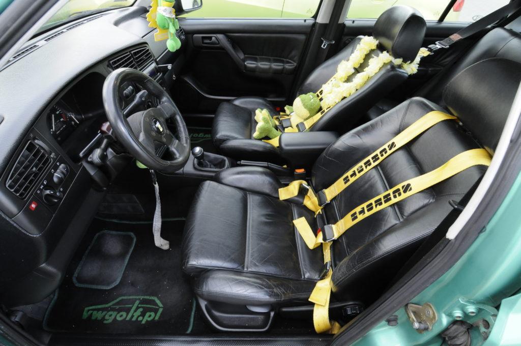 Tuning-VW-Golf-3-GL-fotele przednie