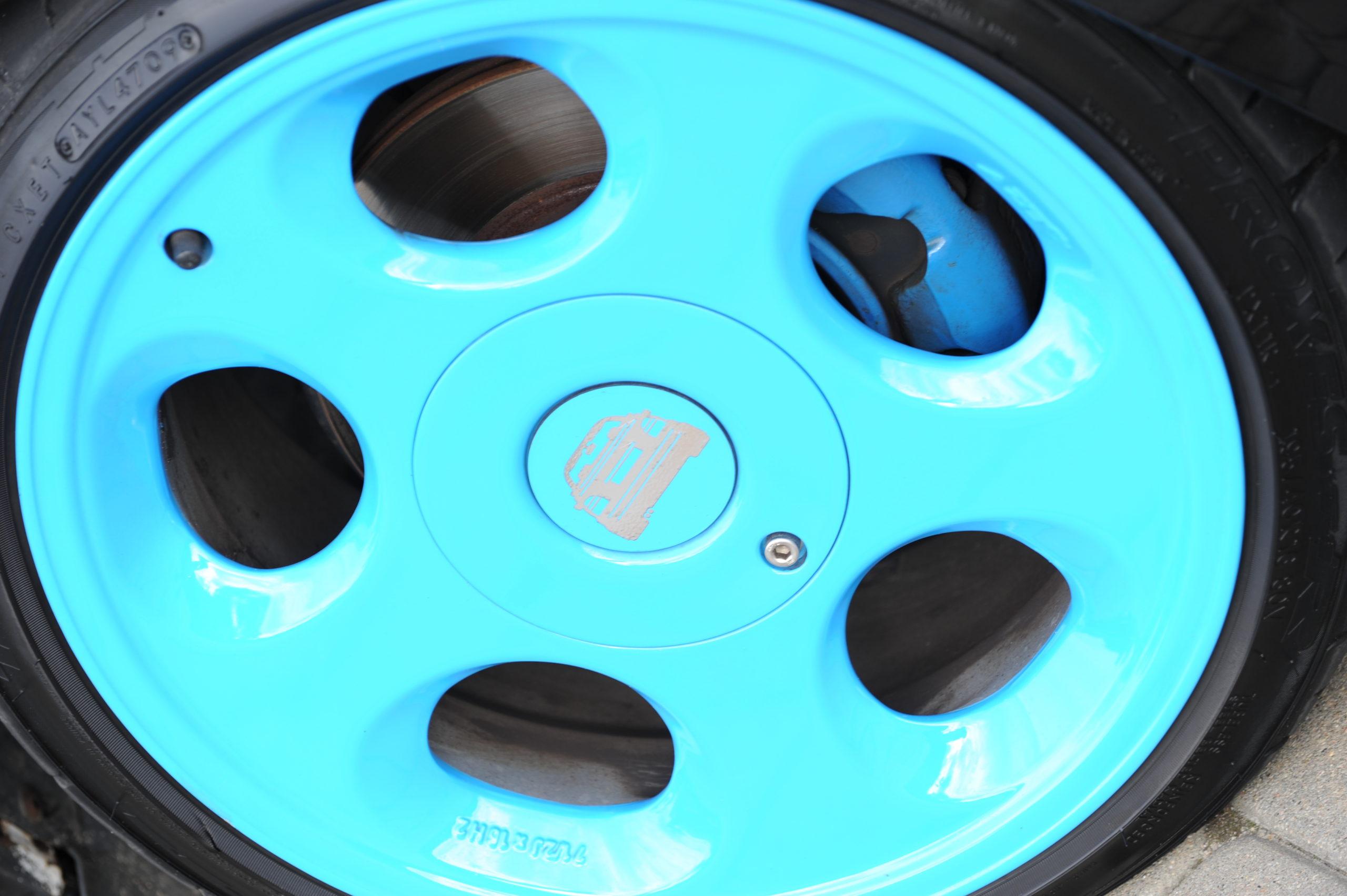 Tuning-VW-Golf-3-cabrio-niebieska felga