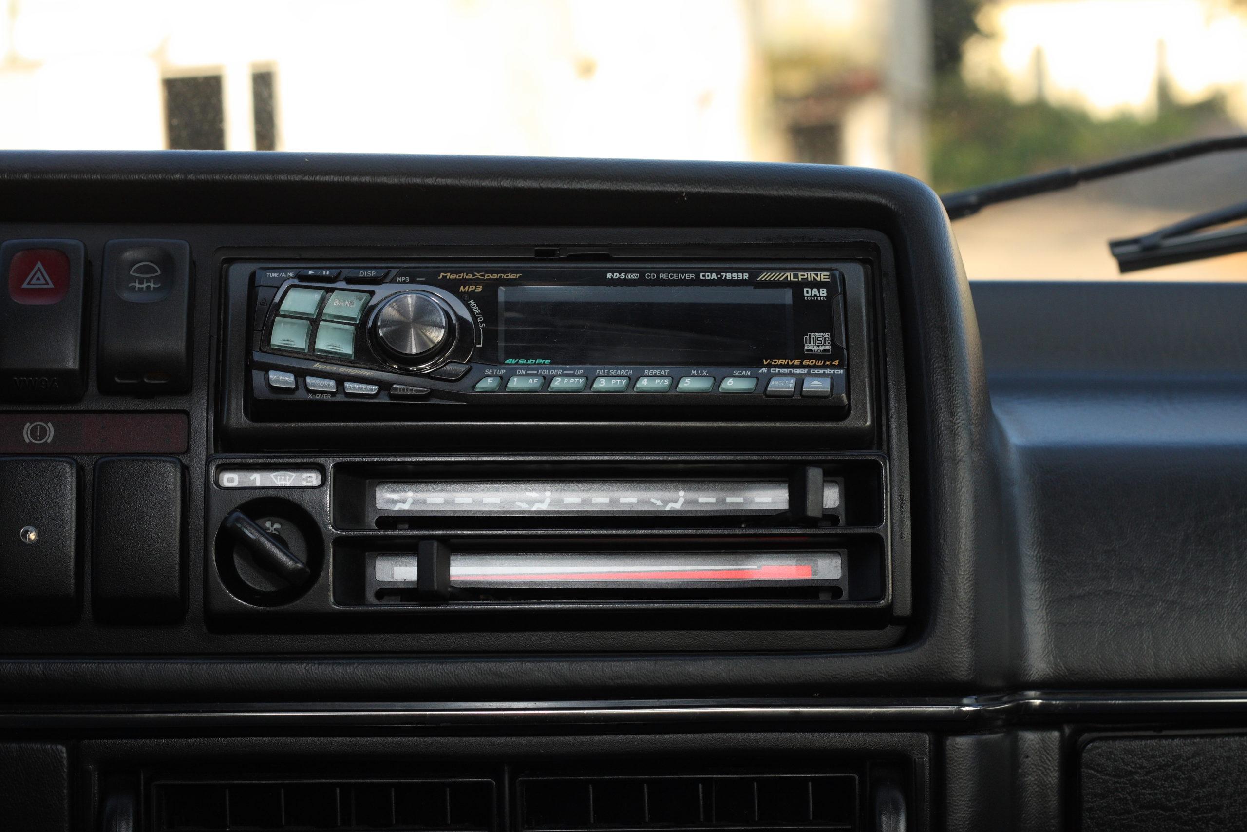 Tuning-VW-Golfa-Mk2-panel audio i wentylacji