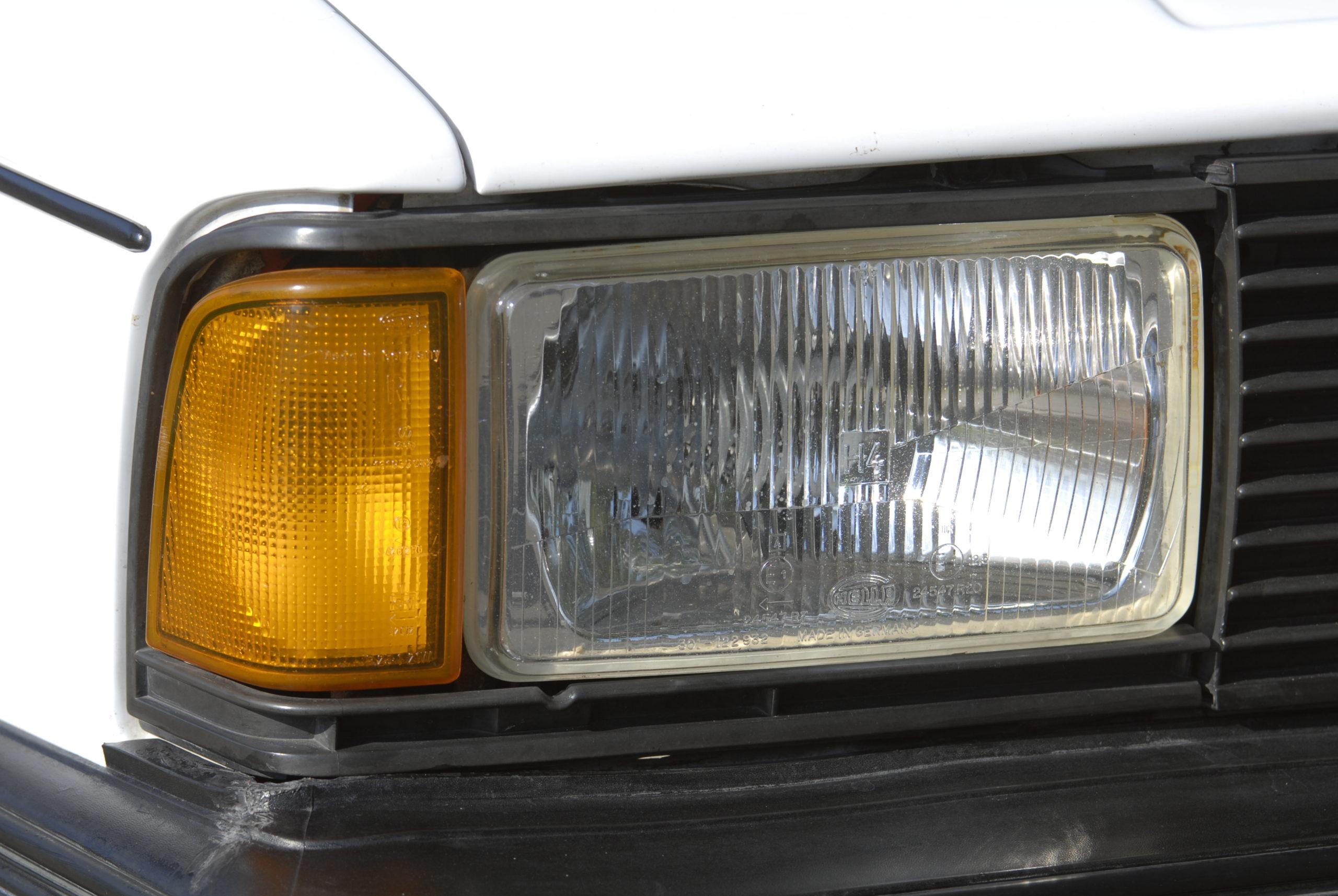 Tuning-VW-Jetta-MK1-przedni reflektor