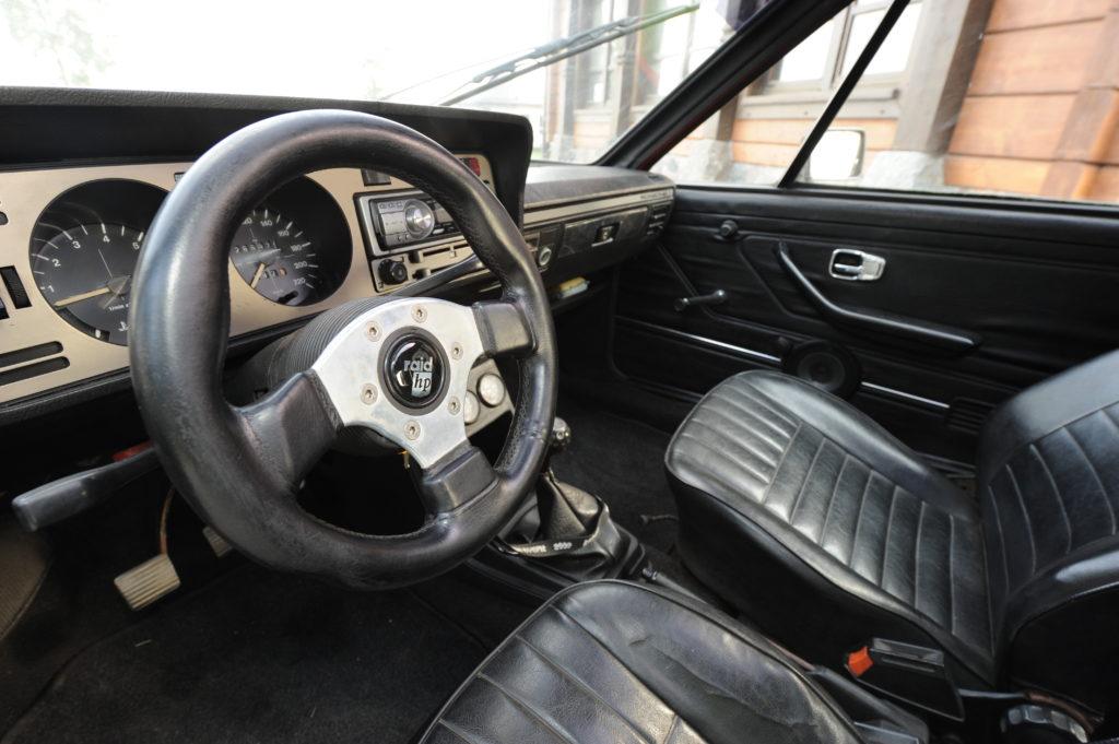 Tuning-VW-Scirocco-1-Typ-53-kokpit